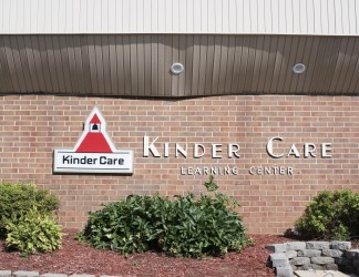 KindercareBuilding-104-signage