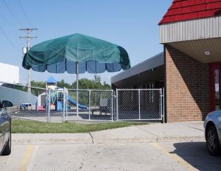 KindercareBuilding-115-playground-umbrella